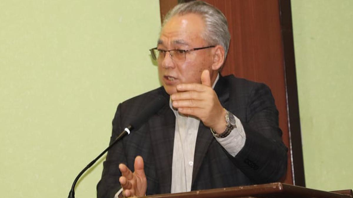 पदमुक्त भएको ३ घण्टामै बादल गृहमन्त्रीमा पुनः नियुक्त