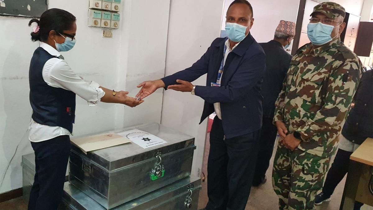 संसदलाई सेनाको जवाफ फास्ट ट्रयाक ठेक्कामा नपरेका कम्पनीको कागज पुगेन