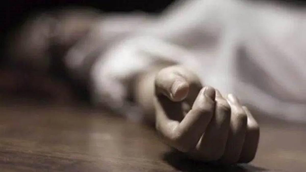 सिरहामा कुहिएको अवस्थामा महिलाको शव फेला