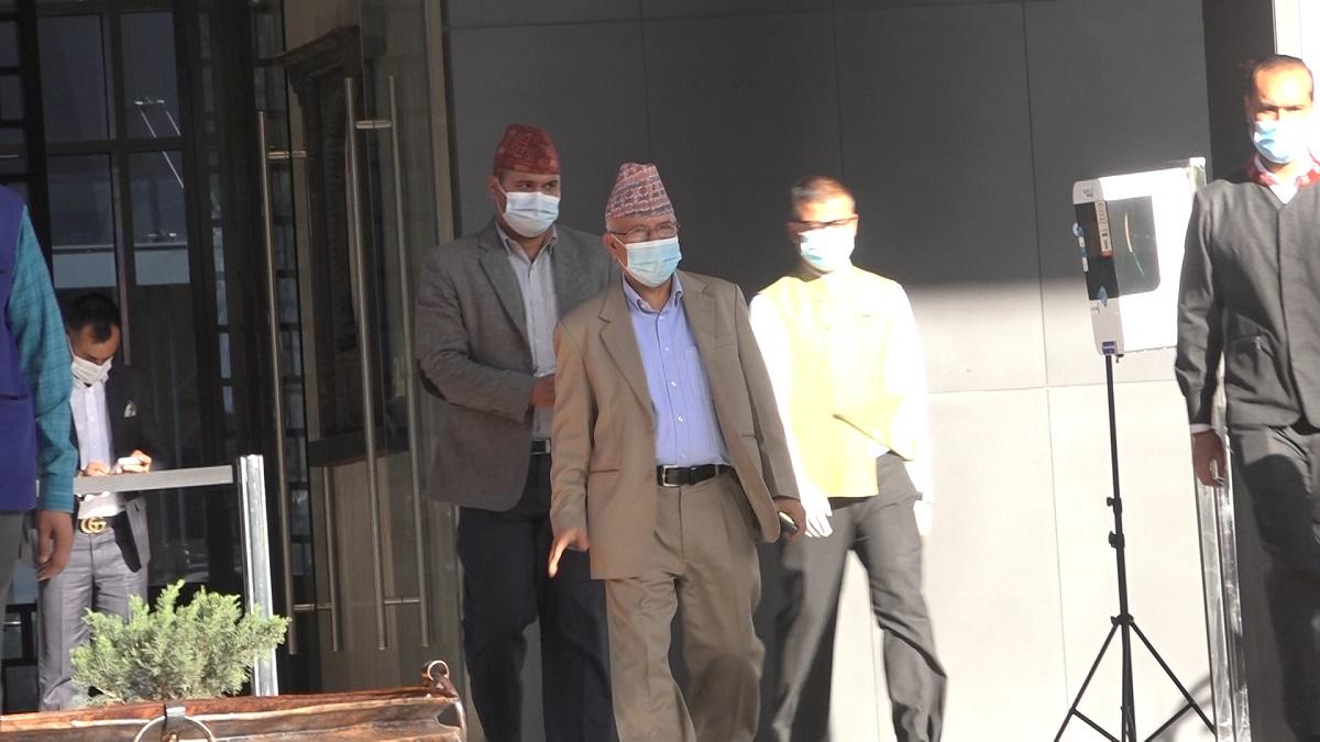 ओली–नेपाल वार्ता : करिब डेढ महिना लामो संवादहीनता तोडियो, तर भएन सहमति
